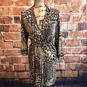 Linea Donatella leopard print robe size s/m